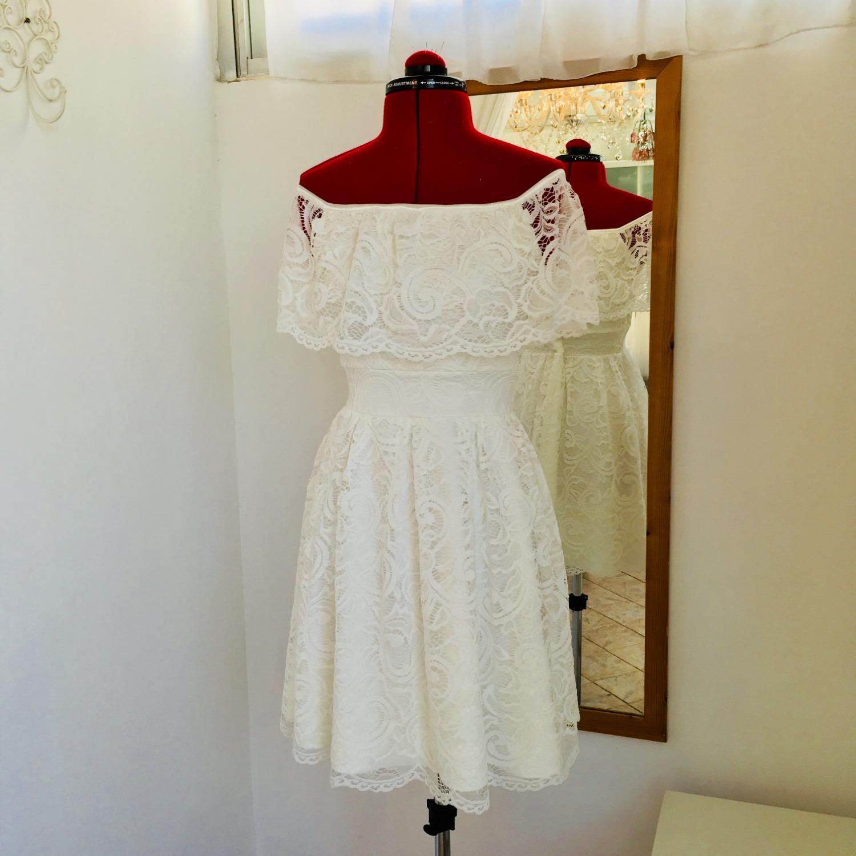 שמלת בת מצווה לבנה מתחרה