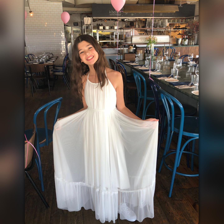 שמלת בת מצווה לבנה ארוכה משיפון
