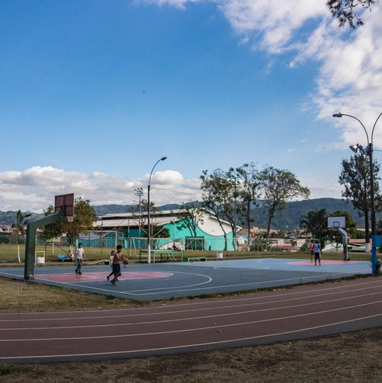Also at the Polideportivo is this basketball court. Behind it you'll notice the large building featuring an indoor soccer court and many fitness classes including gymnastics, taikwondo, and zumba.