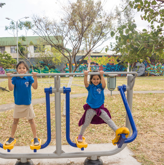 ILE Park day! Once a week our students like to get together at Parque Copa to chat, study, and let their kids burn off some energy!