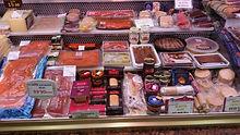 Gran selección de patés de cabracho, productos Santa Teresa, ahumados Dominguez, foies Rougie franceses...