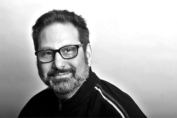 fred kaplan headshot Black and white B&W