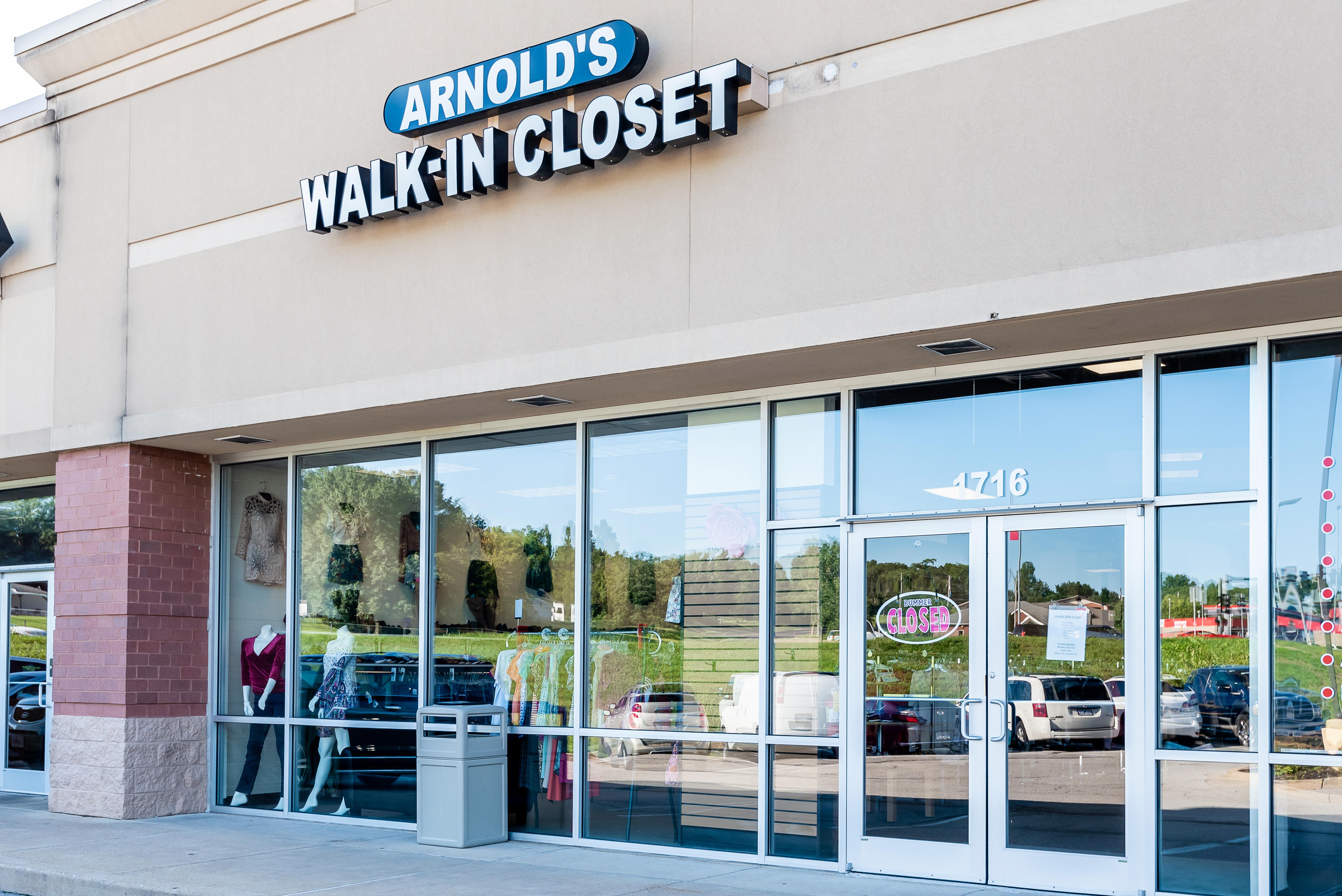 Arnold'sWalkInCloset-21