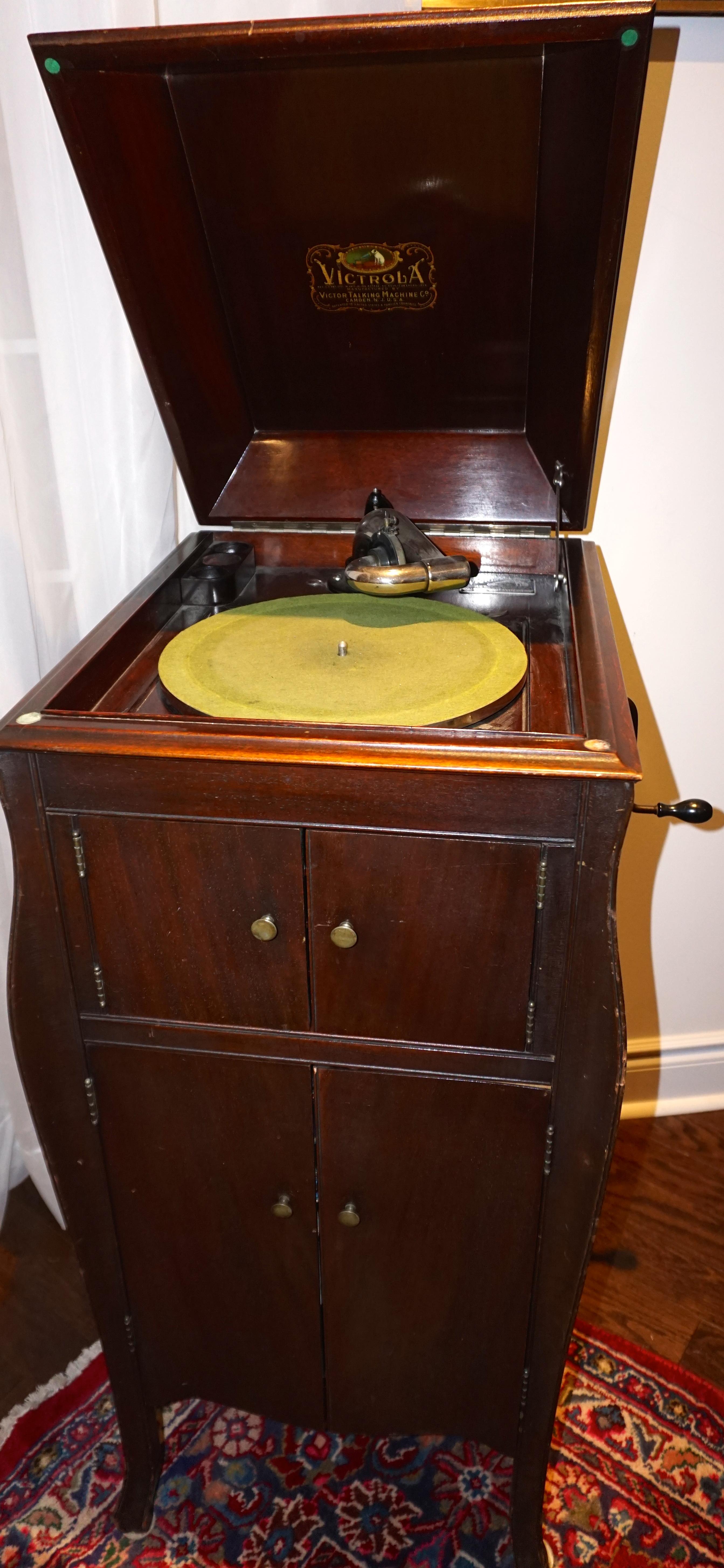 Content Sale Thornhill Wood Antique Vintage Refurbish Gta
