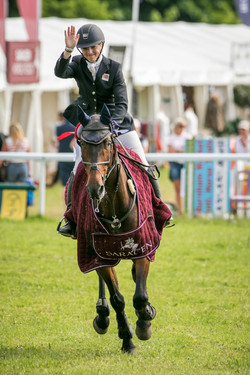 Felicity Collins (GBR) RSH CONTEND OR