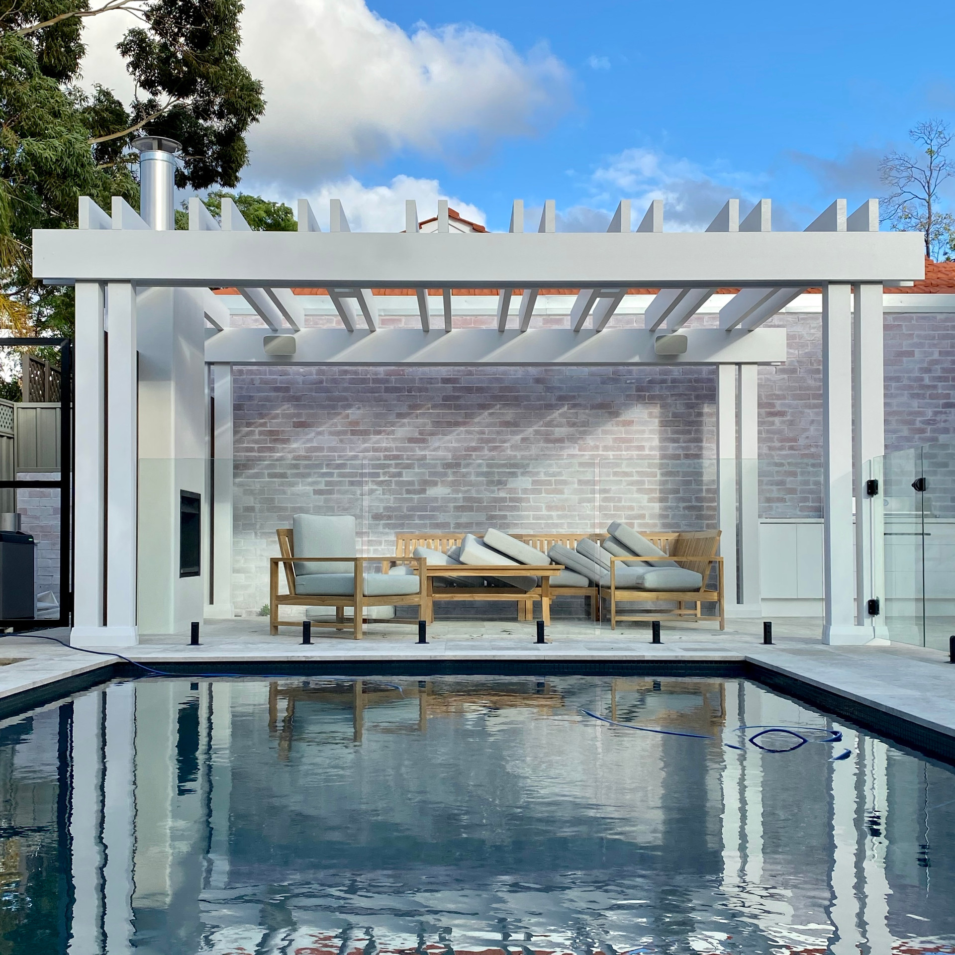 Mount Lawley outdoor fireplace, alfresco and structure by designer tristanpeirce Landscape Architecture Pool and Garden Design