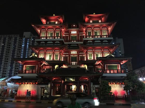 Singapore's Beautiful Buddhist Temple