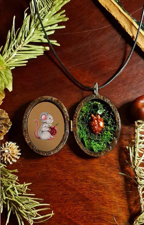 "Locket Terrarium miniature ""Mouse of my heart"""