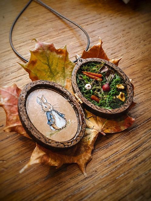 """Locket Terrarium miniature """"Peter Rabbit"""""""