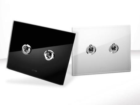AVE --- New Style 44 in vetro: lo stile rétro dall'accento moderno