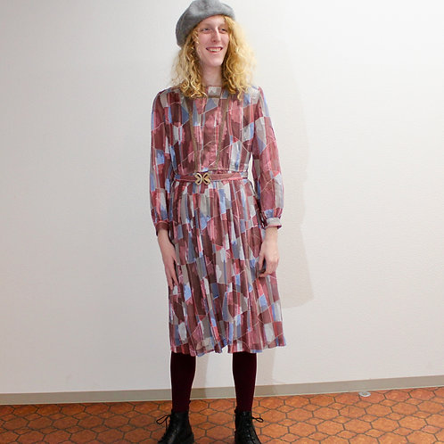 Classic Pink shimmery Print Pleat dress クラシックピンクの光沢のあるプリーツワンピース