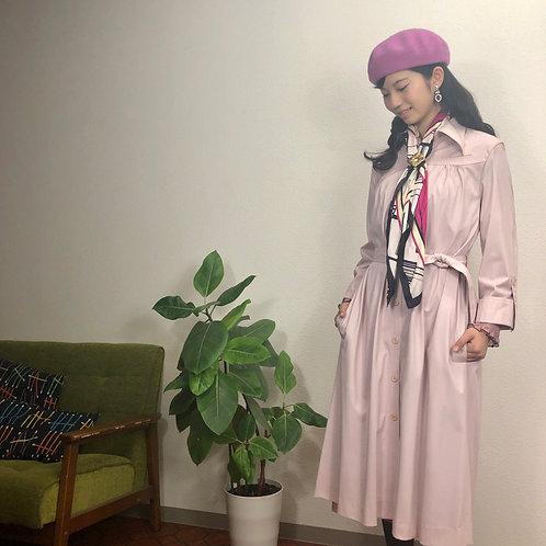 ピンクのブラウススプリングコート