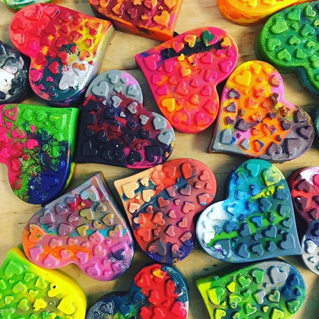 MAKE your own crayons out of old, recycl