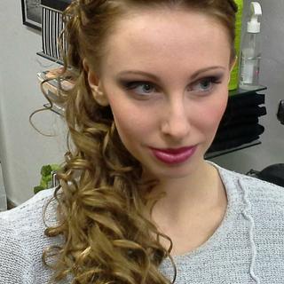 účesy pro dlouhé vlasy 3.PNG