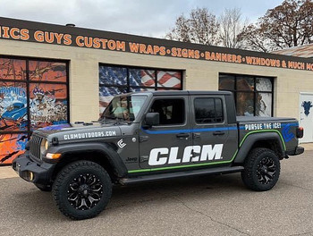 Cut Vinyl on Clam Truck