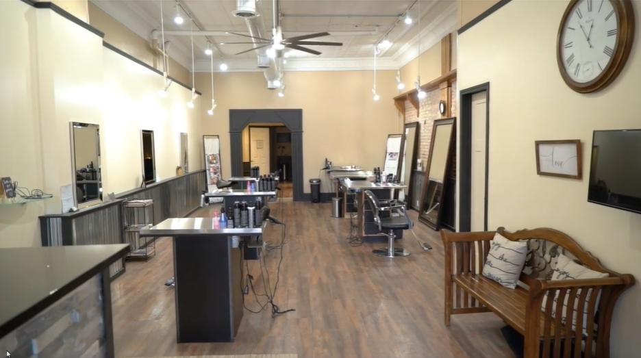 Salon 130