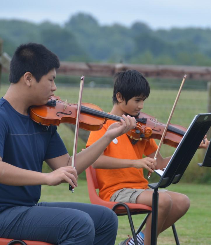 Glyn's field Junior Orchestra 7.jpg