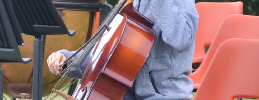 Glyn's field Junior Orchestra 8.jpg