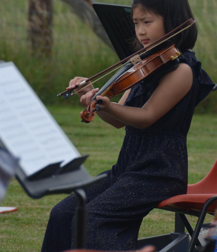 Glyn's field Junior Orchestra.jpg