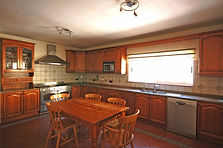 Large well-equipped kitchen incl. Dishwasher, double oven, American style fridge freezer with ice and filtered water.