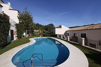 EC-Middle-outdoor-pool-1.jpg