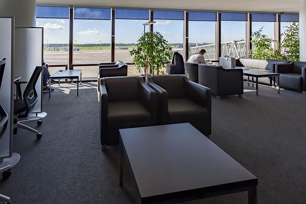 Karl Jatho Lounge-1375-HDR.jpg