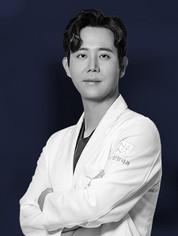 ผู้อำนวยการโรงพยาบาลนานะ ศัลยแพทย์ ฮวังดงยอน