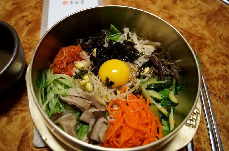 Bibimbab (บิบิมบับ) ข้าวยำชื่อดังของเกาหลีที่มีต้นกำเนิดมาจากเมืองจอนจู