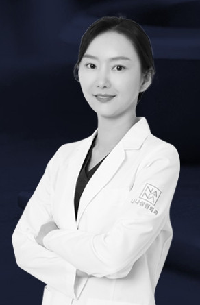 แพทย์หญิง ปาร์คยอนซู