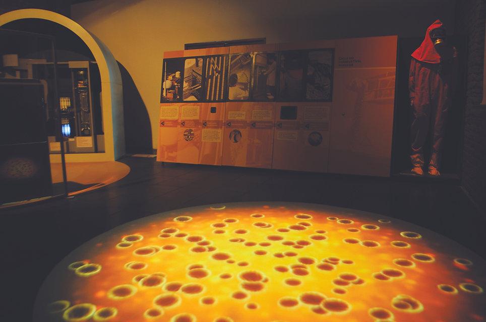Casa da Ciência - Energia Nuclear: Tapete de Fissão Nuclear