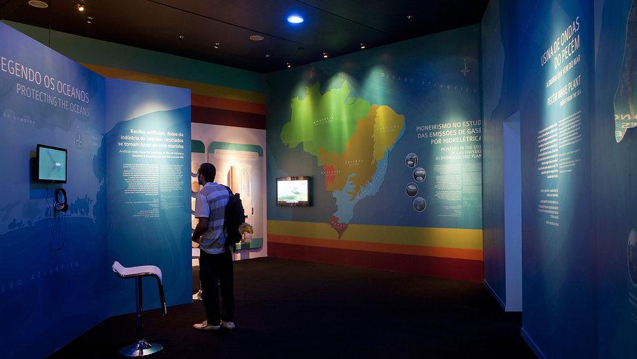 Estande COPPE- Rio + 20: Painéis COPPE e as Águas do Brasil
