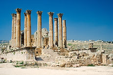 Jerash_Temple_of_Artemis.jpg