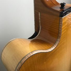 All Maple Body - Maple and fine line binding