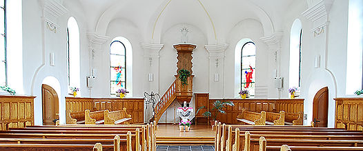 Mühlehorn_Church_Interior.jpg