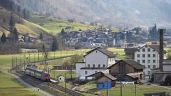 Leuggelbach with Railway S 25