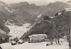Braunwald - Waschhaus – alte Pension mit  Anbau – Hotel Niederschlacht im Endausbau