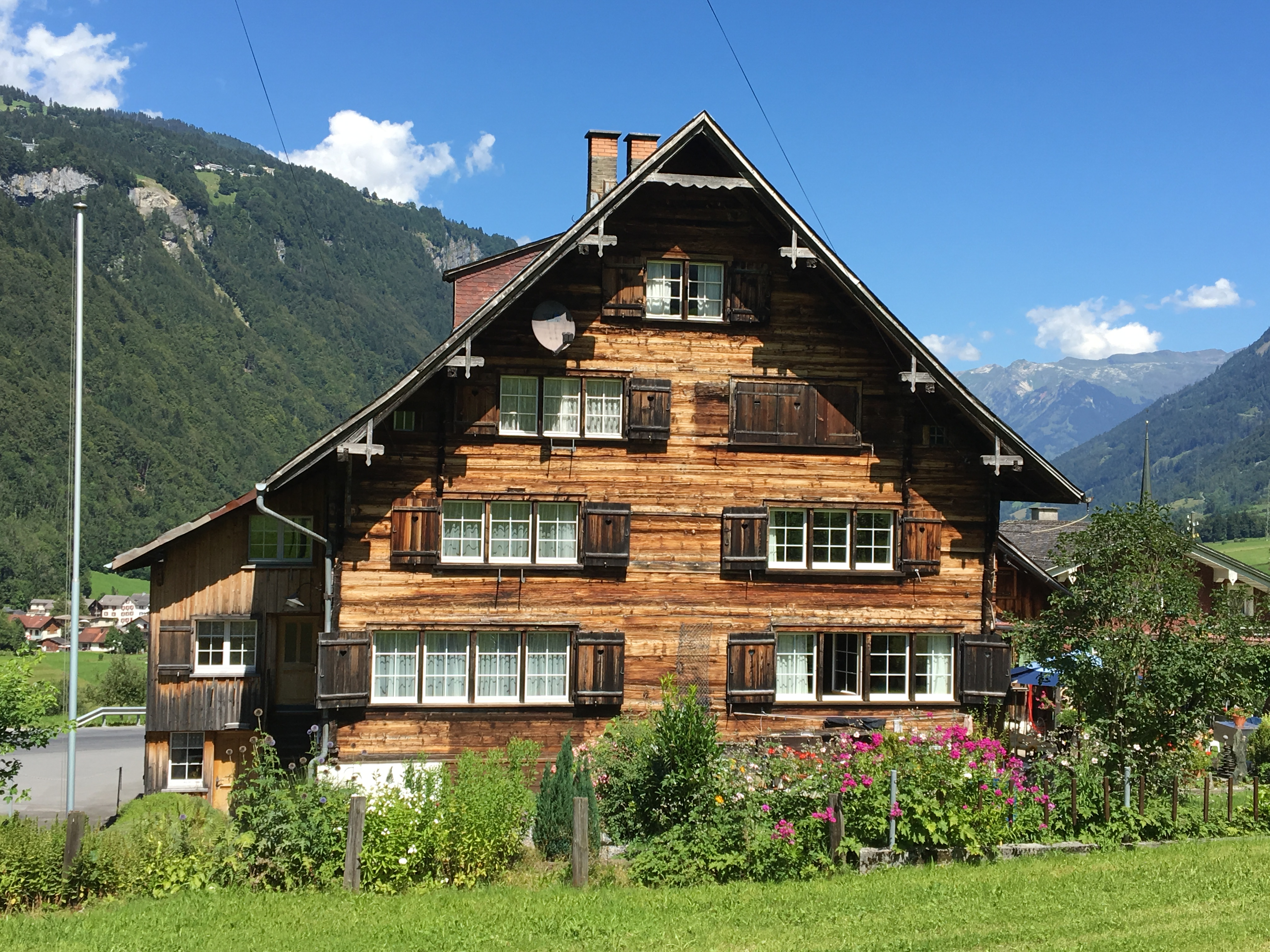 Linthal Traditional Woodhouse