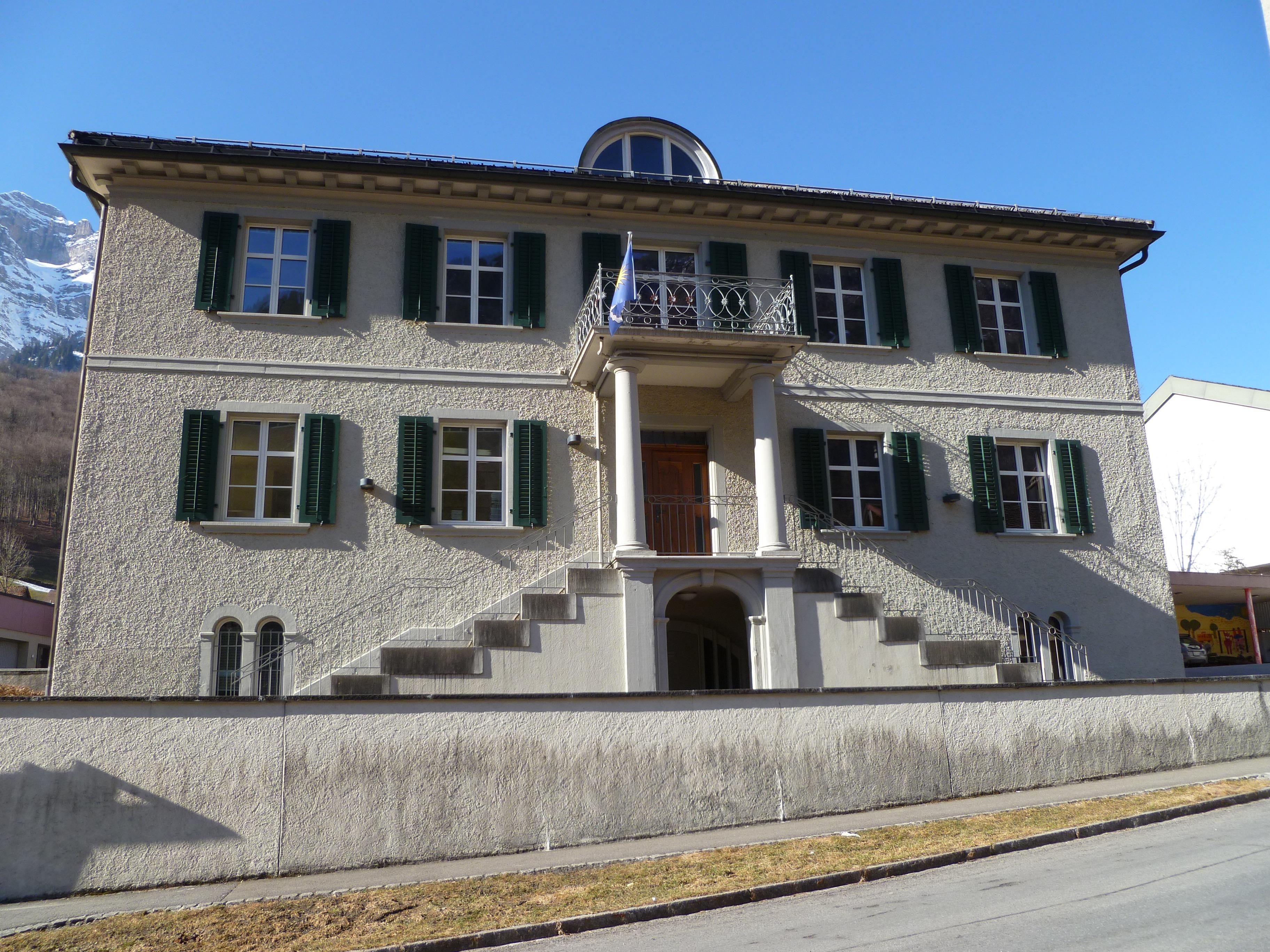 Ratsherrenhaus Mitlödi