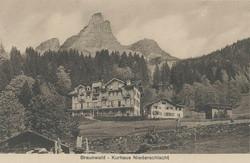 Braunwald - Kurhaus Niederschlacht nach erstem Ausbau – alte Pension mit Anbau – Waschhaus