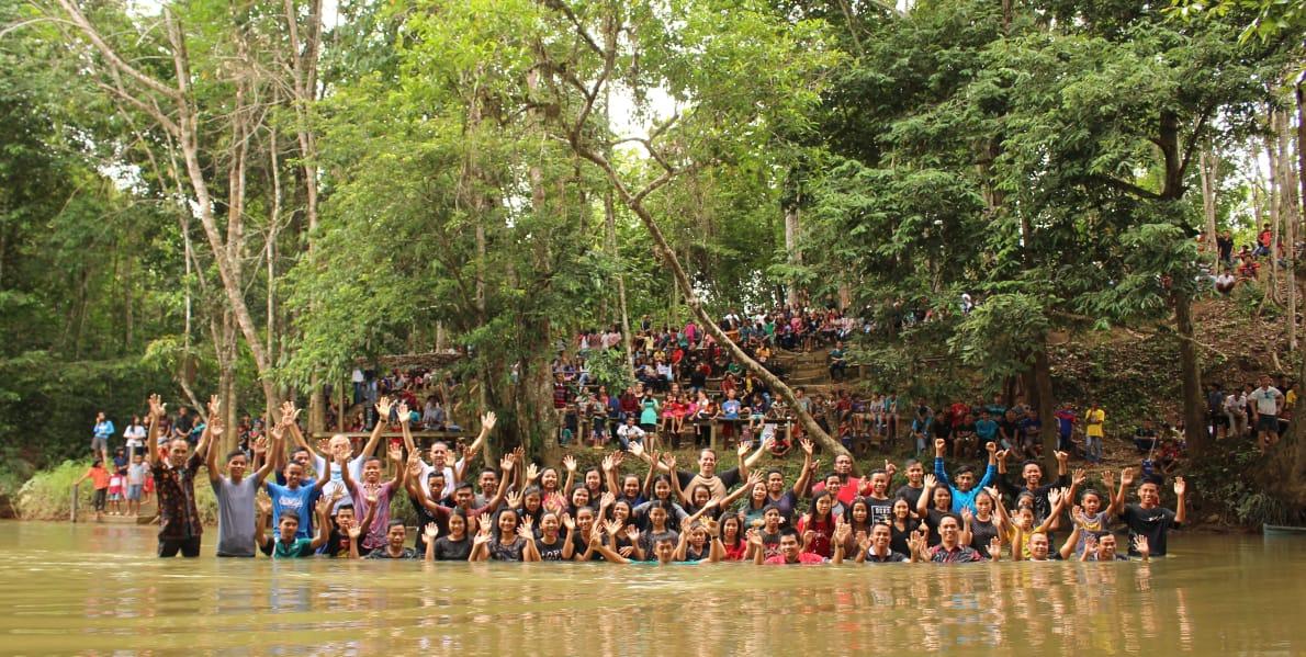 39 Children being Baptised