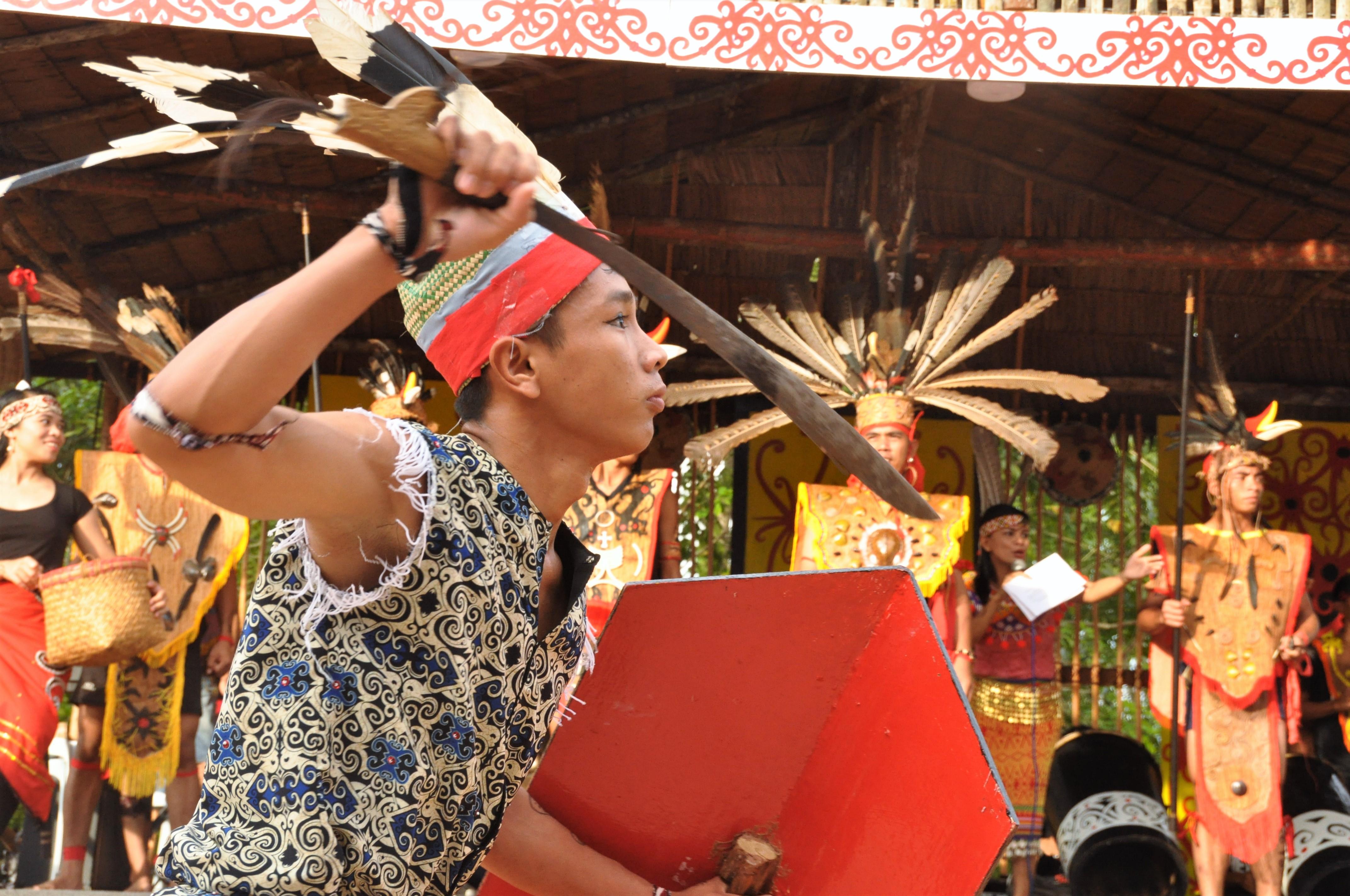 Matias performing