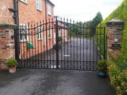 Decrotive Swing Gates