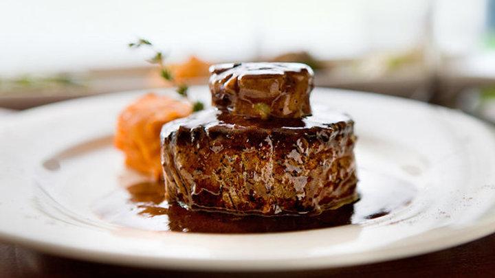 Filet de bœuf Rossini, foie gras poêlé et sauce à la truffe (2 pers.)