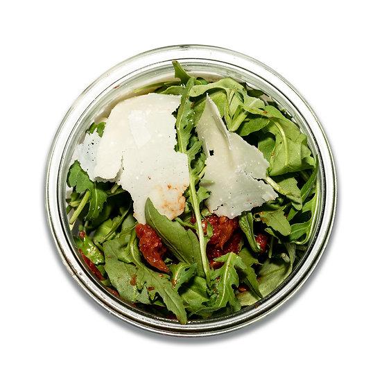 Salade de roquette, parmesan, tomates séchées (dont 1 € de consigne)