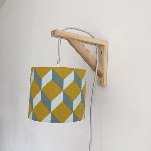 Lampe équerre cube moutarde