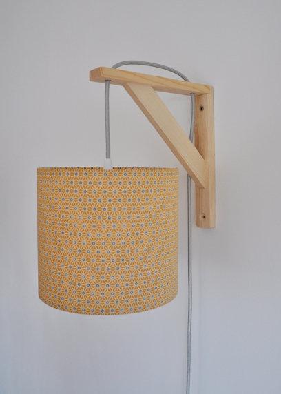 Lampe équerre Saki moutarde