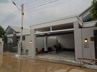 หน้างานบ้านลูกค้า : ประตูโรงรถ
