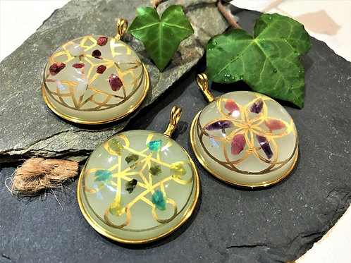 Crystal grid Pendants with Afterglow
