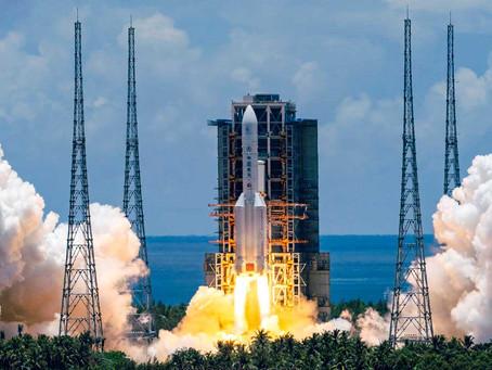 China lanza su primera misión espacial a Marte
