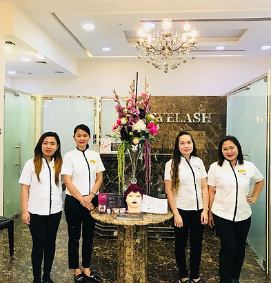 The professionals at Eyelash Extension Center